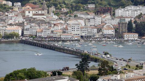 A ponte que atravesa o río Eume dá nome al municipio de Pontedeume