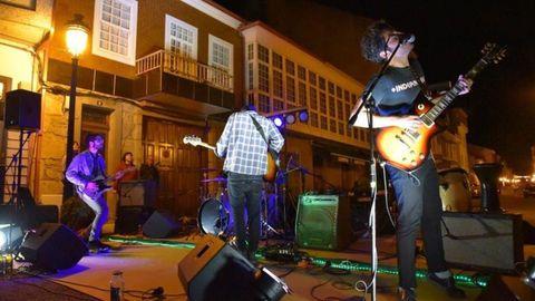 Concierto de Stone Dead en el festival Música na Rúa de 2018, en Escairón.