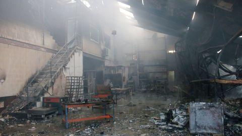 Así quedó la nave por dentro tras el incendio de octubre del 2019