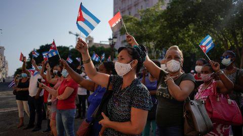 Trabajadoras del Estado cubano rinden homenaje en el Día de la Rebeldía Nacional al asalto a los cuarteles Moncada y Carlos Manuel de Céspedes sucedido en 1953