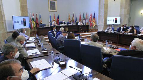 La situación sanitaria ocupó parte del debate del pleno