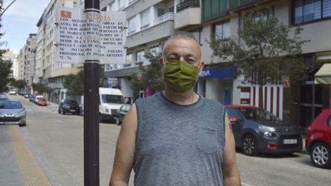 El cartel colocado en el mes de marzo en la avenida de Os Mallos anunciaba un cambio de ruta «provisional»