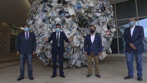 Los tres rectores gallegos con el conselleiro de Cultura, Educación e Universidade en una foto de archivo