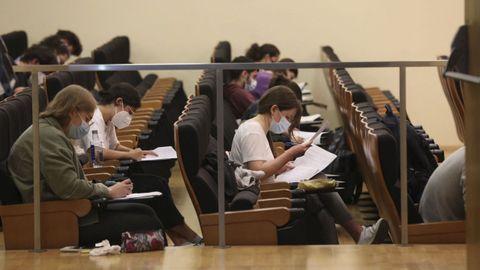 Imagen de alumnos en la facultad de Matemáticas el curso pasado