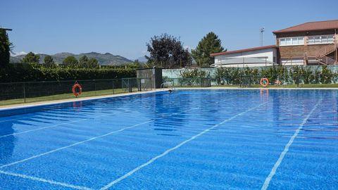 Imagen de la piscina municipal de Verín