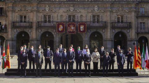 Foto de familia en la conferencia de presidentes que se celebra en Salamanca