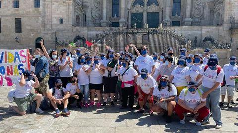 Más de 55 personas con discapacidad intelectual realizaron la última etapa de El Camino Verde. Salieron de Padrón y tras llegar a Santiago fueron a la misa del peregrino y a un recibimiento institucional.
