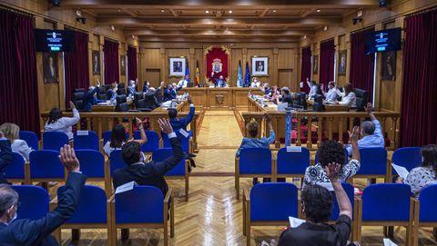 Unanimidad en el pleno de la Diputación en el apoyo a las famlias acogedoras