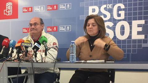 A la izquierda, Luis Gulín, secretario de Emigración del PSdeG de Ourense, que ha transmitido el descontento
