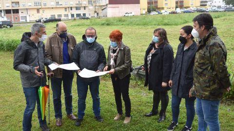 O goberno local ribadense e a vicepresidenta da Deputación, Maite Ferreiro, na presentación do proxecto