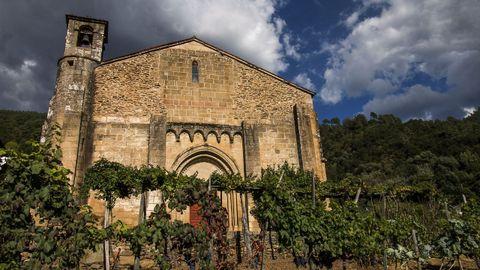La iglesia de San Vicente de Pombeiro data de entre finales del siglo XII y principios del XIII