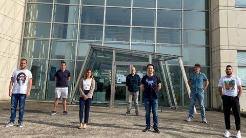 De izquierda a derecha, los investigadores Christian Lanza, Abel Martínez, Ana Isabel Fernández-Tresguerres, Javier Martín, Jiahua Duan, Pablo Alonso y Gonzalo Álvarez