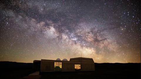 Estampa de la Vía Láctea desde el Centro Atronómico de Trevinca