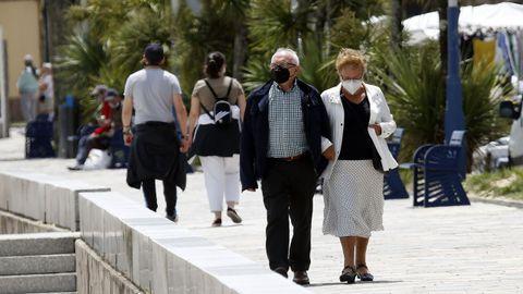 Imagen de gente paseando por A Pobra, concello en el que no se ha registrado ningún caso desde el 28 de septiembre