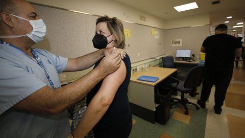 Cerca de 2.700 mariñanos han sido citado para vacunarse esta semana en el hospital mariñano