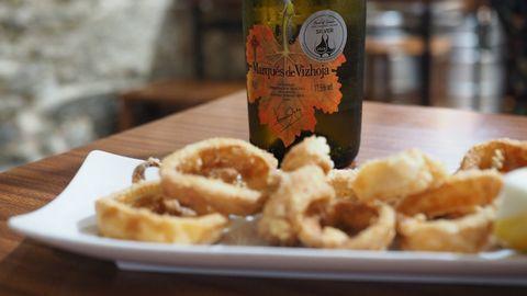 Este es el plato de calamares sin gluten que sirven en el Bar Coruña