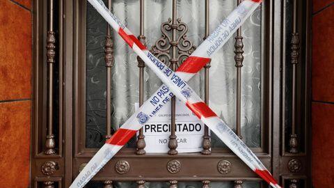 Fachada de la vivienda sevillana del Cerro del Águila, donde se produjo el último crimen machista registrado, el número 31 en lo que va de año