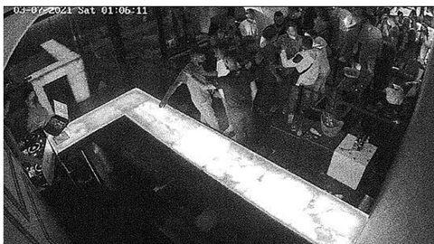 Incidente previo. Los dos grupos tuvieron un roce en el pub Andén antes de la paliza mortal