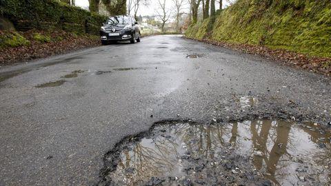 Mal estado de la carretera de Conturiz a O Páramo