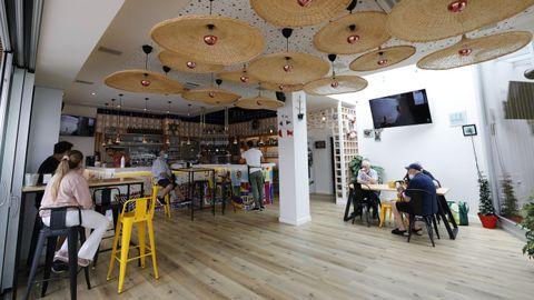 El Muelle Bar, de Foz, con el aforo al 30% en el interior del local