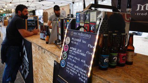Imagen de una feria de cerveza artesana