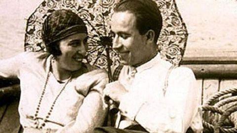 Bóveda coa súa muller, Amalia, á que lle escribiu unha das súas derradeiras cartas, antes de ser executado