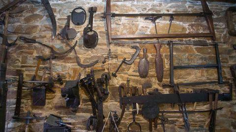 Las paredes de Casa Nicasio están llenas de reliquias