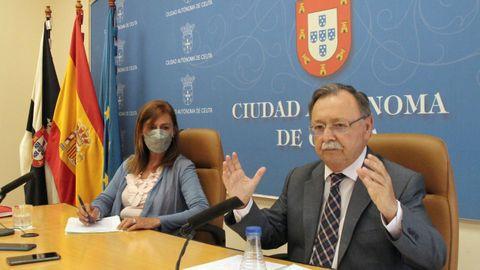 El presidente de Ceuta, Juan Jesús Vivas, y la consejera de Presidencia y Relaciones Institucionales, Mabel Deu, en una imagen de archivo.