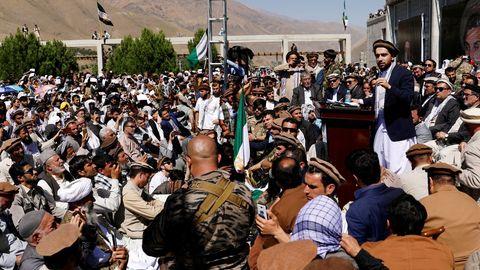 Ahmad Masud se dirige a sus partidarios en Bazarak (provincia de Panjshir), en septiembre del 2019.