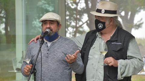 Paadin, a la derecha, con Pepe Formoso, responsable del Bela Fisterra