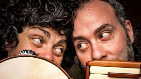 O dúo Acordeireta presentará «Loitar cantando» en Castro de Rei