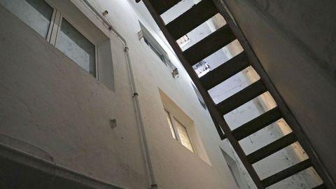 Ventanas de los pisos de los sótanos, que dan al hueco de la calle inferior de Concheiros, y que quedan cegadas al estar cerrada la calle