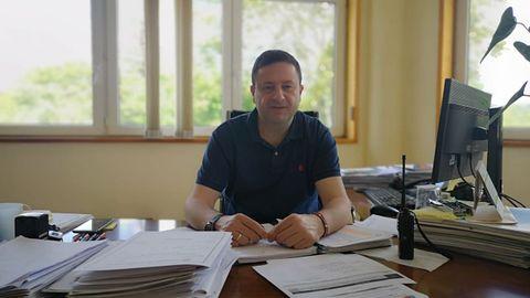 Manuel Campos, alcalde do Concello de Cuntis, no seu despacho