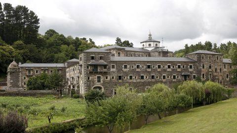La ruta incluye la vista guiada al monasterio de Samos, ubicado en el Camino Francés.
