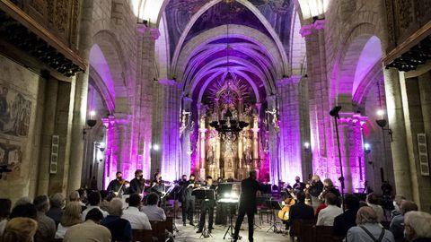 Un formato reducido de la OSG clausuró en la catedral de Mondoñedo la octava edición del festival Bal y Gay.