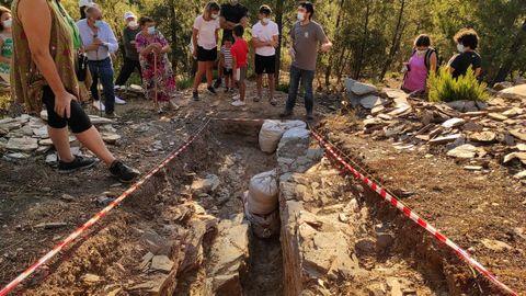 El castro de O Castrillón en Larouco está todavía en fase de excavación, pero puede visitarse ya