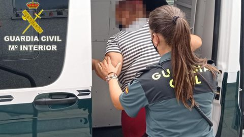 Imagen de archivo de una detención practicada por la Guardia Civil