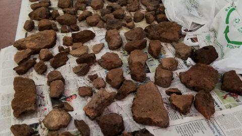 Los arqueólogos recuperaron numerosos fragmentos del horno de cerámica, que esperan poder reconstruir parcialmente