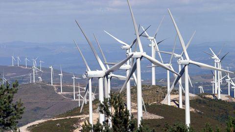 Aerogeneradores en la sierra de O Faro, en una imagen de archivo
