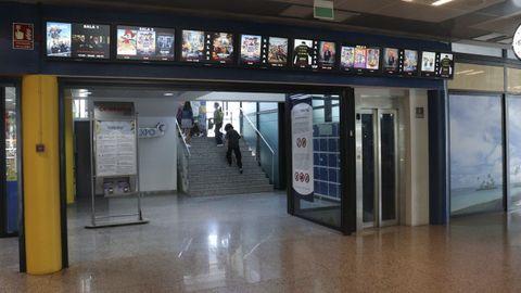 Interior del centro Vialia en la actualidad, que albergan los cines Cinexpo desde 2013