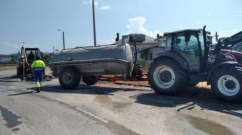 Reparación de la última avería registrada en la tubería del agua en Juan Montes