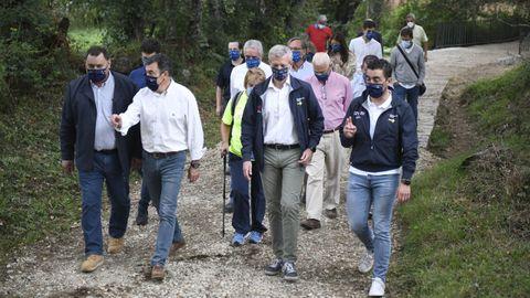 El vicepresidente primero de la Xunta y el conselleiro de Cultura supervisaron los trabajos de mejora realizadas en el tramo del Camino de Invierno que discurre por Rodeiro