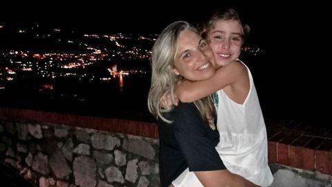 Isabel Álvarez con su hija pequeña en Italia, donde pasaron una semana