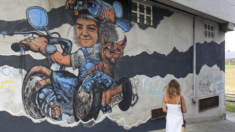 Toni Espinar y Sfhir han querido rendir tributo a Paula García Couce con un mural que la inmortaliza cerca del baluarte de Canido
