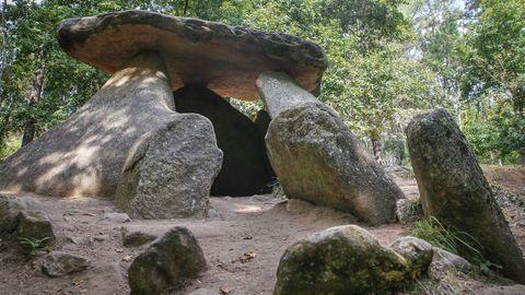 El dolmen de Axeitos es uno de los mejor conservados de Galicia