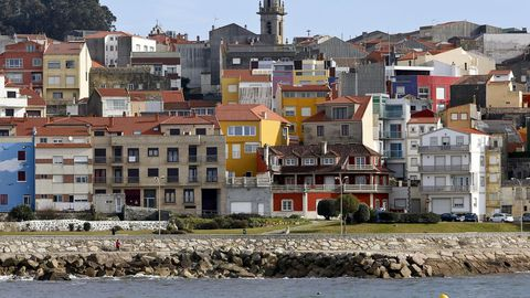 Casas de colores en el puerto de A Guarda.