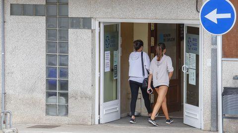 En el centro de salud de Ribeira no se han cubierto las plazas de seis médicos