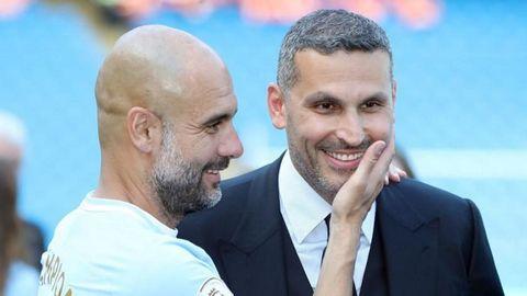 Pep Guardiola junto al presidente del Manchester City