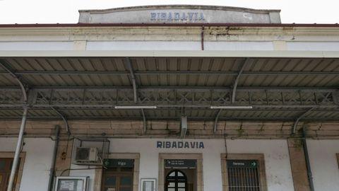 A estación de Ribadavia podería ser un albergue no futuro