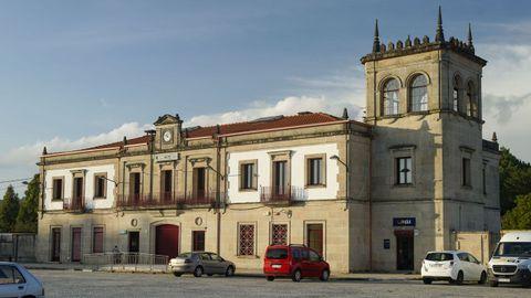 A estación do Carballiño viviu a xornada histórica da conexión de Galicia coa Meseta